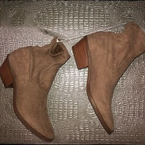 Shoes - Brand New Chic Ankle Boots